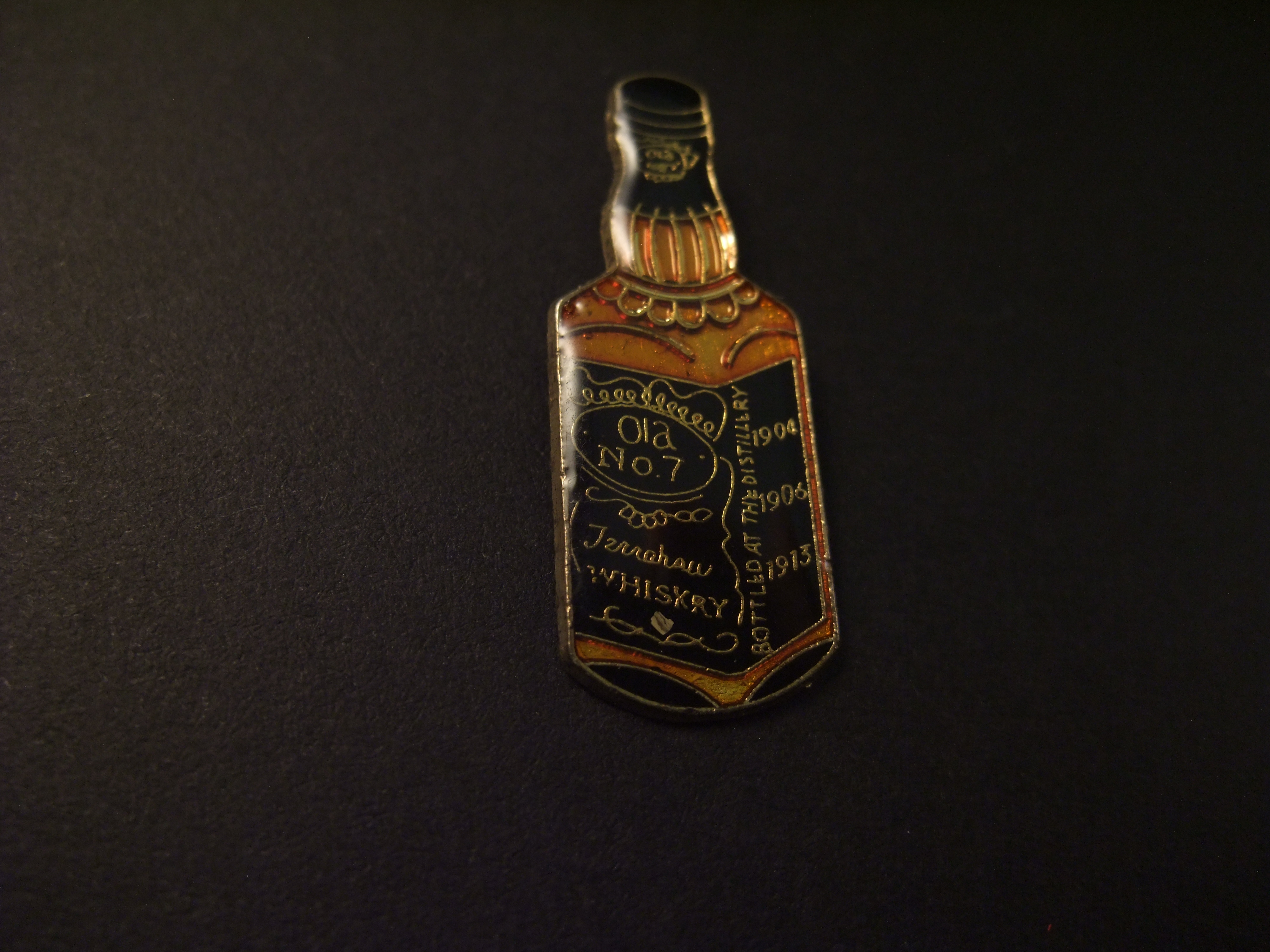 Old No. 7 brand Tennessee Whiskey ( stokerij van Jack Daniels )