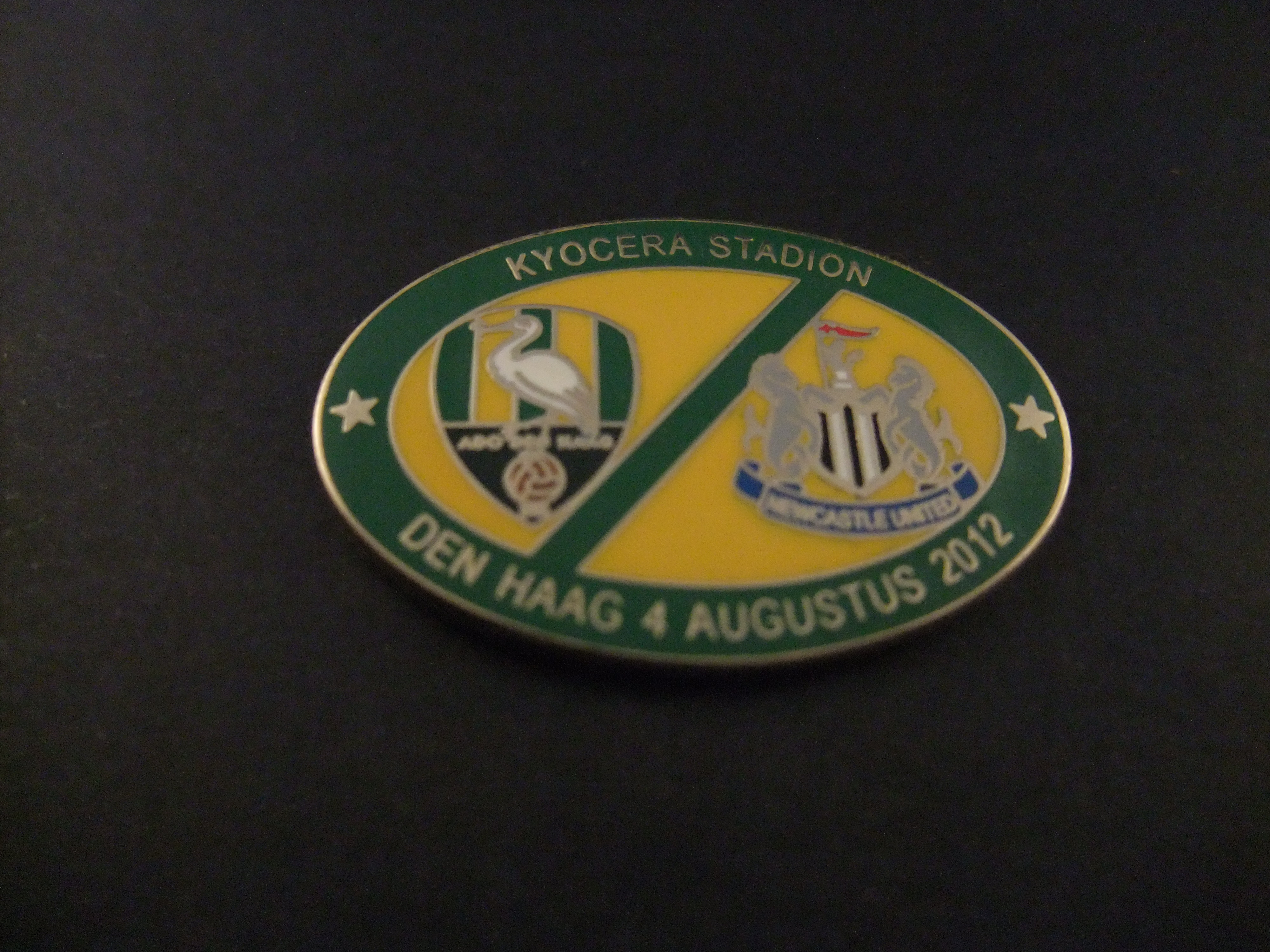 Ado  Den Haag-Newcastle United  Kyocera stadion(nu Cars Jeans Stadion) 4 augustus 2012 groene rand