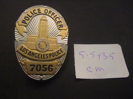 Police Officer Los Angeles met nummer 7056